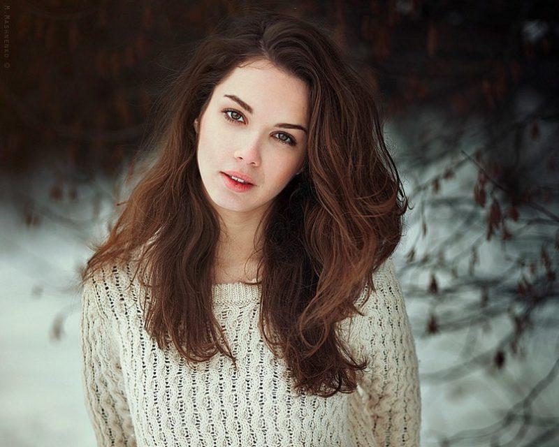 Особенности белых свитеров